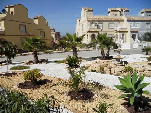 Villa for rent monte y mar upper gran alacant for Camping el jardin alicante