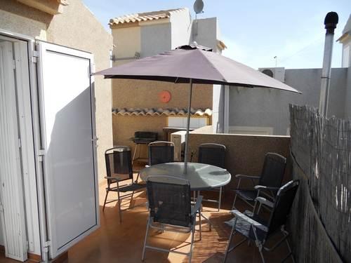 Sunny Roof Terrace!