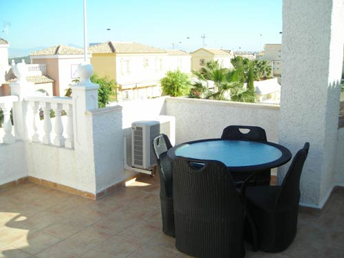 Stylish Roof Terrace!