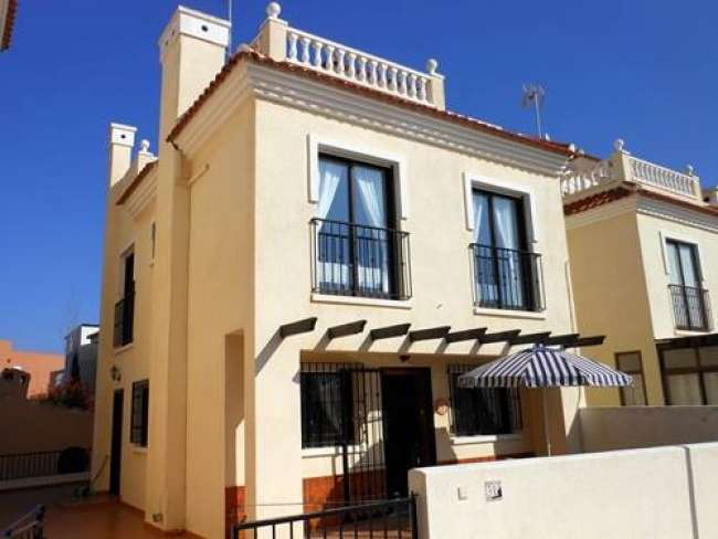 3 bed holiday villa with air-con sea view and WiFi near Alicante