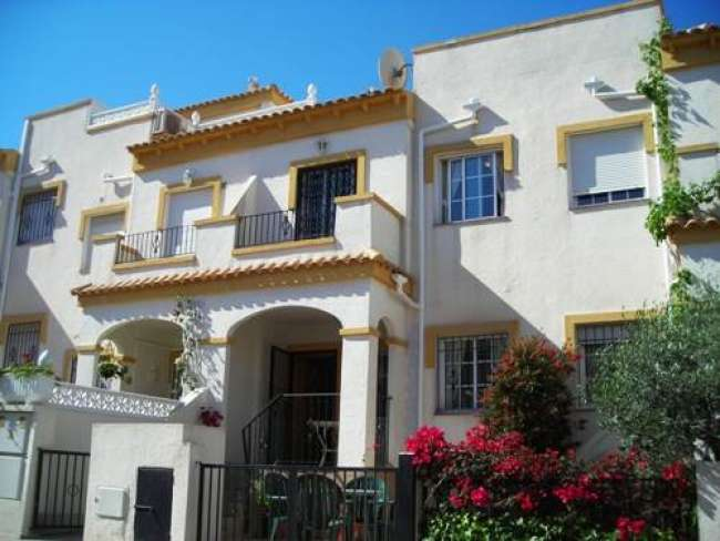 3 bedroom fully air-conditioned holiday villa in Gran Alacant with free WiFi
