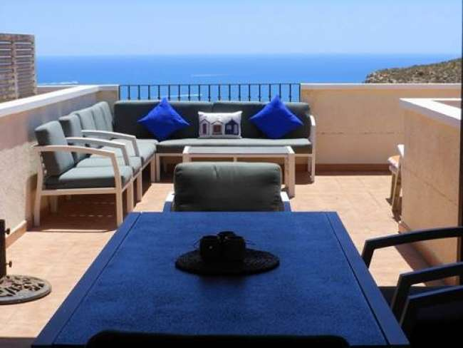 3 bed holiday apartment with air-con and WiFi in Brisas Del Faro