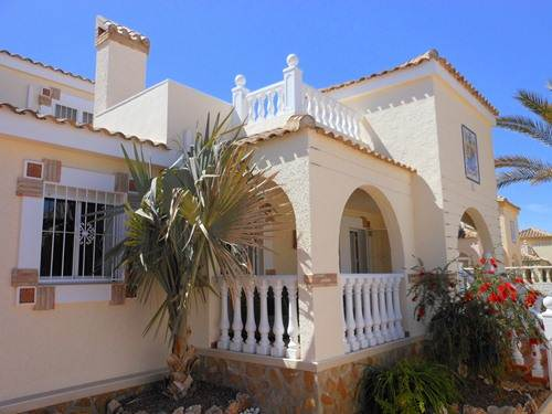 3 bed holiday fully air-conditioned villa with WiFi and private pool in Gran Alacant