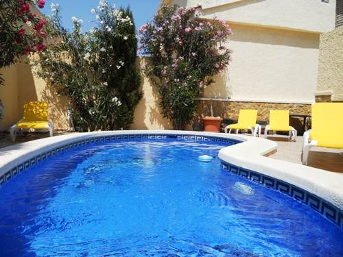 Fully air-conditioned holiday villa for rent with private pool and table tennis in Gran Alacant Alicante